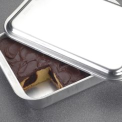 NORDIC WARE 9X13 INCH CAKE PAN WITH METAL COVER
