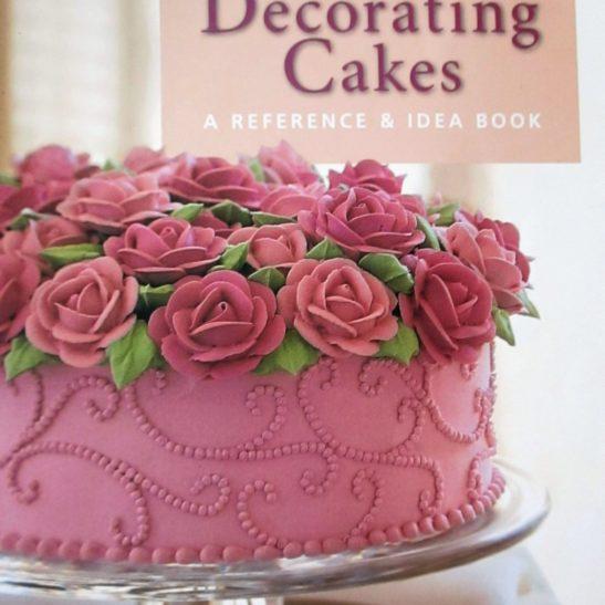 WILTON DECORATING CAKES BOOK